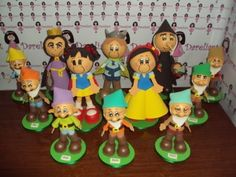 Dareliart: Branca de Neve kit com 12 bonecos - Encomenda da C...