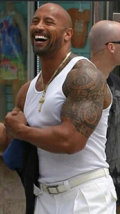 The Rock - Body Building The Rock Dwayne Johnson, Rock Johnson, Dwayne The Rock, Dwyane Johnson, Pictures Of Rocks, Powerlifting Training, Wwe, Body Building Tips, Celebrities Then And Now
