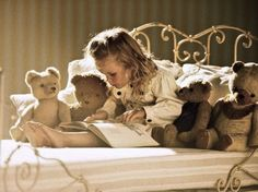 #Girl #Menina #Books #Livros #Reading #Lendo. with teddy bears