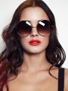 15 New Looks With Round Sunglasses