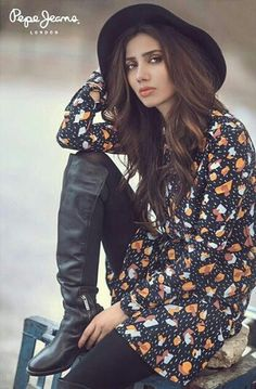 Pakistani actor Mahira Khan for Pepe Jeans Pakistan. Pakistani Actress Mahira Khan, Bollywood Actress, Bollywood Girls, Bollywood Celebrities, Celebrity Couples, Celebrity Pictures, Stylish Dp, Girls Dpz, Cute Dresses
