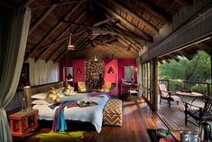 At Jaci's Tree Lodge guests can relax in one of eight luxurious tree houses built on the edge of the Marico River. National Geographic Expeditions, Family Leisure, Luxury Tents, Sustainable Tourism, Game Reserve, Outdoor Dining, Lodges, Building A House, Safari