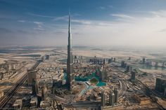 The Burj Khalifa - The Tallest Building in the World - Amazing!