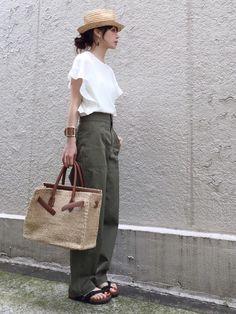 Spick & Spanのシャツ・ブラウス「≪予約≫ソデフレア フレンチドルマンプルオーバー◆」を使ったari☆のコーディネートです。WEARはモデル・俳優・ショップスタッフなどの着こなしをチェックできるファッションコーディネートサイトです。
