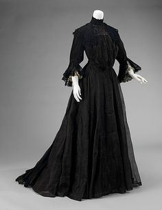The Metropolitan Museum of Art - Mourning Dress