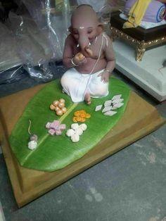 Breakfast Clay Ganesha, Shri Ganesh, Krishna Art, Lord Ganesha, Ganpati Bappa Wallpapers, Ganesh Wallpaper, Ganapati Decoration, Lord Shiva, Ganesh Idol