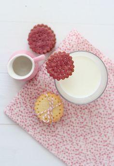 Galletas de frambuesa by SandeeA Cocina, via Flickr
