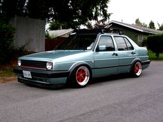 Love this mk2 Volkswagen Jetta, Vw Mk1, Golf 2, Automotive Engineering, Vw Cars, Car Manufacturers, Motor Car, Slammed, Cool Cars