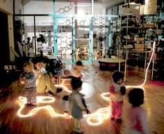 Rope Light as Provocation-this is from the Reggio Emilia site so in Italian Play Based Learning, Learning Spaces, Learning Environments, Early Learning, Reggio Emilia Classroom, Reggio Inspired Classrooms, Preschool Classroom, Art Classroom, Reggio Emilia Approach