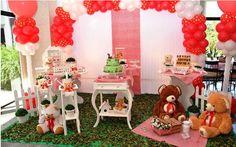 Ursos deixam festas de meninas ou de meninos – basta variar a paleta de cores - um encanto. Criação da Dan' Pierre. site ig