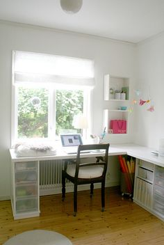 The New Desk by Chez Larsson, via Flickr