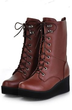 Super chic brown moto boots