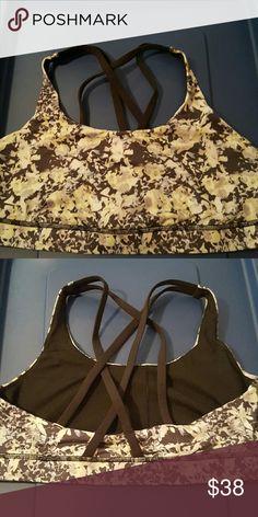 Lululemon bra Energy bra size 10. EUC just too small. lululemon athletica Intimates & Sleepwear Bras