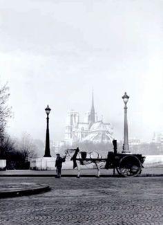 René-Jacques - Pont de la Tournelle, Paris, 1951.