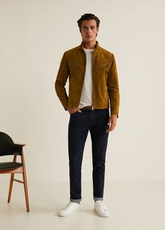 Discover the latest trends in Mango fashion, footwear and accessories. Shop the best outfits for this season at our online store. Winter Outfits Men, Fall Fashion Outfits, Cool Outfits, Casual Outfits, Mode Masculine, Brown Jacket Outfit, Stylish Men, Men Casual, Men's Leather Jacket