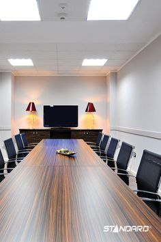 STANDARD's new range of edge-lit LED flat panels for office and commercial lighting provide an optimal alternative to traditional fluorescent luminaires.  #StandardProducts #Lighting #Office