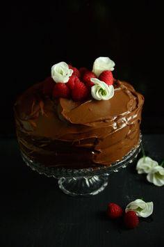 Chocolate cake, torta al cioccolato, birthday cake, gateau au chocolat