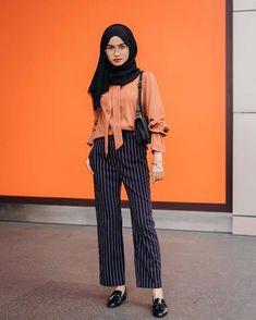 Source by ideas hijab Trendy Dresses, Modest Dresses, Modest Outfits, Stylish Hijab, Casual Hijab Outfit, Hijab Fashion Casual, Casual Ootd, Muslim Fashion, Modest Fashion