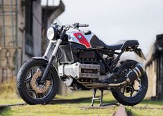 Cafemoto BMW 002: Stripped Down Flying Brick « MotorcycleDaily.com – Motorcycle News, Editorials, Product Reviews and Bike Reviews