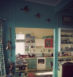 Perfectly retro beach house just up the coast from auckland new zealand mid century modern Kitchen design course auckland