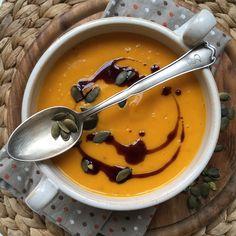 Kürbiscremesuppe mit Kokosmilch Pumpkin Recipes, Breakfast Recipes, Pudding, Desserts, Food, Soups And Stews, Recipes With Pumpkin, Brunch Recipes, Healthy Vegan Recipes