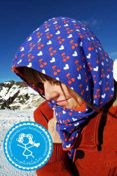"I added ""Kapuzenloop, Berge & Schnee 
