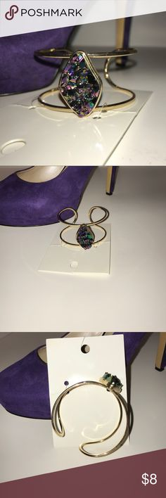 🆕 Crystal Gold Cuff 💜💙💚 Gorgeous multi colored stone set in a gold cuff. Very elegant, will definitely doll up any ensemble. 👑💜💙💚 H&M Jewelry Bracelets