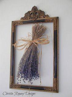 Dried lavender in a frame. Chateau De Fleurs: My Little Country Kitchen Lavander, Lavender Fields, Lavender Flowers, Dried Flowers, Lavender Crafts, Lavender Garden, Lavender Kitchen, Lavender Decor, Lavender Cottage