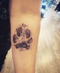 Dec 2019 - Despite short life, people enjoy happiness with them. There's nothing more precious than having a paw print tattoo to preserve the memorable moment. Tatoo Dog, Dog Tattoos, Family Tattoos, Body Art Tattoos, Small Tattoos, Dog Pawprint Tattoo, Small Animal Tattoos, Arrow Tattoos, Flower Tattoos