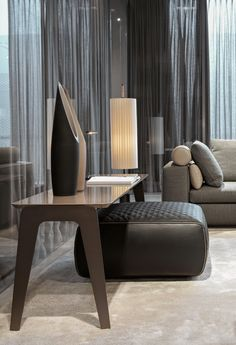 "KIRK NIGHTSTAND - Designer Night stands from Minotti ✓ all information ✓ high-resolution images ✓ CADs ✓ catalogues ✓ contact information ✓. stands minotti KIRK ""WOOD"" - Coffee tables from Minotti Furniture Stores Nyc, My Furniture, Furniture Design, Home Coffee Tables, Wood Interiors, Home Trends, Interiores Design, Decoration, Home And Living"
