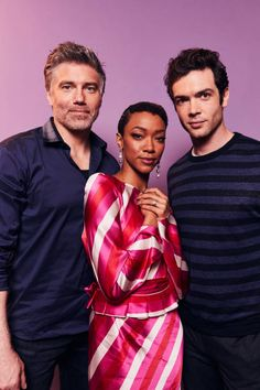 Anson Mount Sonequa MartinGreen and Ethan Peck of CBS's 'Star Trek Discovery' pose for a portrait during the 2019 Winter TCA at The Langham. Star Trek Meme, Star Trek 1, Star Trek Spock, Star Trek Warp, Star Trek Gifts, Anson Mount, Sonequa Martin Green, Star Trek Images, Pose Reference Photo
