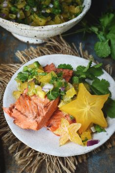 Low-Carb Grilled Salmon with Starfruit Salsa Recipe - Simply So Healthy Star Fruit Recipes, Raw Food Recipes, Healthy Recipes, Fun Recipes, Vegan Food, Healthy Foods, Keto Recipes, Keto Fruit, Healthy Fruits