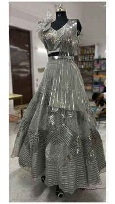 Indian Wedding Wear, Indian Bridal Outfits, Indian Fashion Dresses, Lehnga Dress, Lehenga, Simple Gowns, Dress Clothes For Women, Indian Designer Wear, Designer Dresses