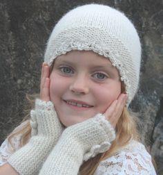 Lue med blondekant i alpakka og silke Knitted Hats, Crochet Hats, Silk Wool, Baby Knitting, White Lace, Winter Hats, Etsy, Vintage, Handmade