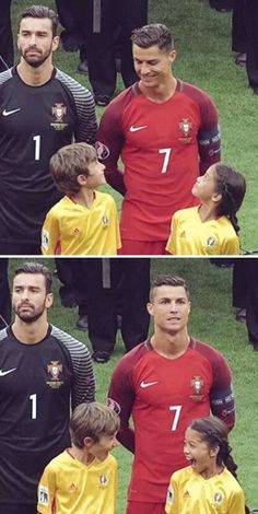The reaction of the kids is priceless! Ronaldo & The Kids Cristiano Ronaldo Portugal, Cristiano Ronaldo Cr7, Really Funny Memes, Funny Relatable Memes, Funny Jokes, Soccer Memes, Soccer Quotes, Funny Sports Quotes, Funny Images