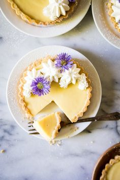 This Vegetarian Pasta Bolognese Is the Healthy Comfort Food We're Craving Now – These Lemon Tarts with Orange Blossom Whipped Cream Are Magically Dairy-Free - Camille Styles Tart Recipes, Dessert Recipes, Lemon Desserts, Dessert Tarts, Mini Desserts, Sweet Desserts, Plated Desserts, Foto Pastel, Lemon Curd Filling