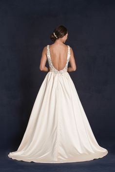 Style * GRETEL * » Wedding Dresses » 2015 Collection » by Lis Simon » Available Colours : Ivory, Champagne, Blush, White (back)
