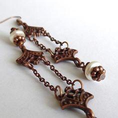 Secese+Náušnice+z+kovových+ramínek,řetízků,pokovených+a+plastových+korálků.Délka+i+s+háčky+je+9,5+cm. Charmed, Bracelets, Jewelry, Fashion, Charm Bracelets, Jewellery Making, Moda, Jewerly, Bracelet