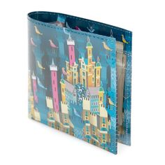 A 3-D effect really brings this wallet look to life: the castles seem to jump off the print.