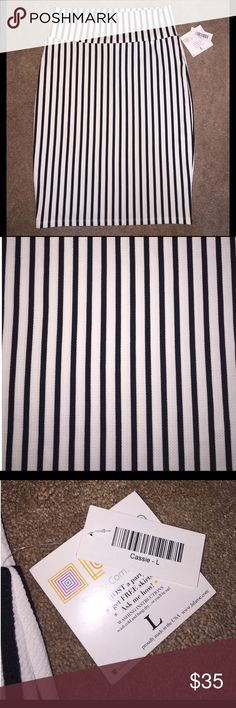 BNWT LuLaRoe Cassie Skirt size Large BNWT LuLaRoe Cassie Skirt in black and white striped. Size Large LuLaRoe Skirts Pencil
