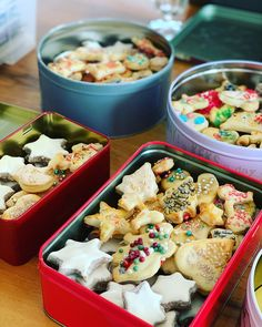 Christmas Shortbread Rezept - Sophia We Shortbread Recipes, Cookie Recipes, Snack Recipes, Christmas Biscuits, Biscuit Recipe, Kfc Biscuit, Cream Recipes, Coco, Food Inspiration