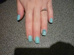 A spotty ring finger!  Blue Hydrangea with White and Victorian Teal spots
