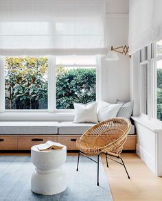 I love a window seat tucked in to a cozy nook. Piled with a thick cushion, a few pillows, and a beautiful throw it creates a welcoming warmth and instant character. A window seat is not only pretty, but is also useful in creating extra seating, adding sto Window Benches, Modern Window Seat, Dining Bench Seat, Sitting Bench, Indoor Bench Seat, Kitchen With Window Seat, Kitchen Bench Seating, Playroom Seating, Bedroom Benches