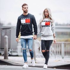 Tommy hilfiger / Tommy jeans sweater couple matching Tommy Hilfiger / Tommy Jeans Pullover Paar passend The post Tommy Hilfiger / Tommy Jeans Pullover Paar passend & Couple appeared first on Mode für männer . Matching Couple Outfits, Matching Couples, Tommy Hilfiger Outfit, Tommy Hilfiger Sweater Men, Herren Outfit, Fashion Couple, Stylish Men, Men Casual, Mens Clothing Styles