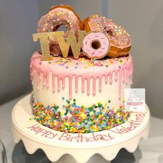 donut cake TWO sweet! 2nd Birthday Party For Girl, Donut Birthday Parties, Second Birthday Ideas, 2 Birthday Cake, Girl Birthday Themes, Bday Girl, Donut Party, Foto Pastel, Themed Cakes