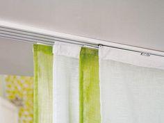 Decora tu visillo o cortina con una barra decorativa en diferentes materiales de fabricación u ocúltalo con rieles fabricados con los mejores productos del mercado. En Entretelas Home, te ofrecemos…