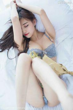 Real amateur petite nude girls