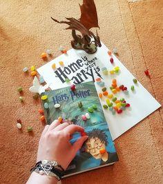 Am 1. September auf nach Hogwarts! Home is where your Harry is ;-) Heute geht übrigens Albus Severus Potter zur Zauberschule! Ich habe ein paar Zeilen zusammengereimt, eine Hymne auf Hogwarts :-) https://jessysmomente.blogspot.de/2017/09/zuruck-nach-hogwarts.html