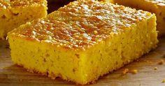 Fabulosa receta para Pan de elote con queso crema. Exquisito pan de elote con queso crema.