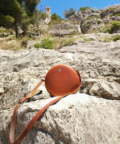 Round Bag in cognac getting a beautiful patina after 2 years of use 🌞 Vegetable tanned leather just gets better and better with use, even… Round Bag, Vegetable Tanned Leather, Women's Bags, Leather Handbags, Beautiful, Leather Totes, Women's Handbags, Leather Purses